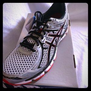ASICS GT-2000 2 Gel 9.5 Mens Running Shoes